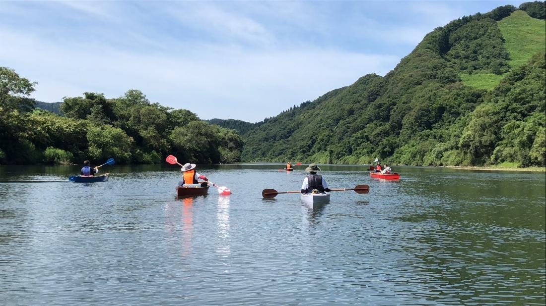Floating down the Yoneshiro River.