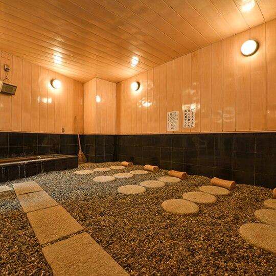 Hotel Moriyamakan stone bath.