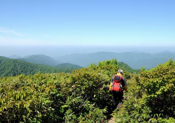 Hiking Mt. Futatsumori in Happo Town.
