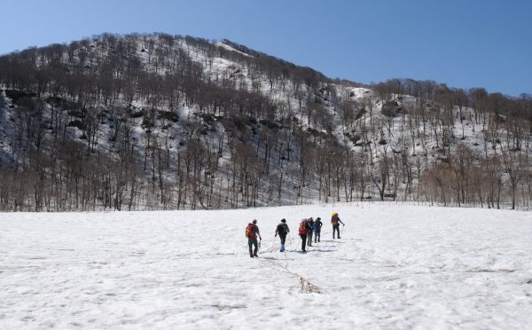 Snow trekking in Fujisato